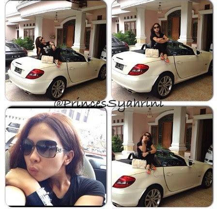 Kacamata Sungglasss Syahrini Mewah 21 si princess syahrini pamer mobil mewah segala yang unik di dunia