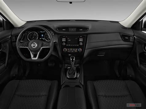 nissan rogue 2017 interior 2017 nissan rogue interior u s news world report