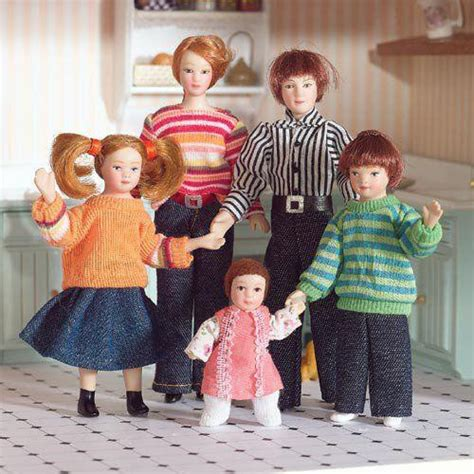house of doll the dolls house emporium family of five dolls