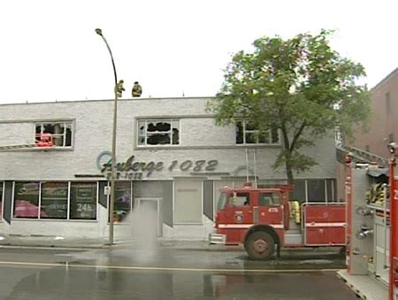 montreal swing clubs naked patrons flee fire at montreal swingers club ctv news