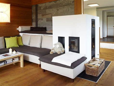 wohnzimmer ofen modernes landhaus traditioneller ofen im wohnzimmer