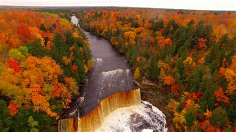 fall color drone shows fall colors at tahquamenon falls in