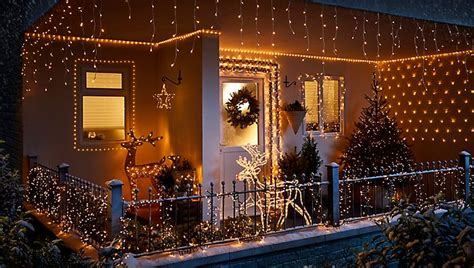 how to hang outdoor christmas lights ideas advice