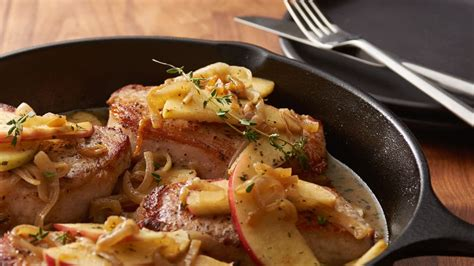 Fast Easy Dinner Chops With Tomatoes by 8 And Easy Pork Chop Dinners From Pillsbury