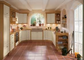 Country Cottage Kitchen Design by Cottage Kitchens Photo Gallery And Design Ideas