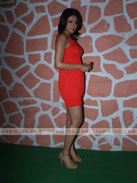 Tanushree Dutta Wardrobe by Pics Tanushree Raveena On Chak De Bachche