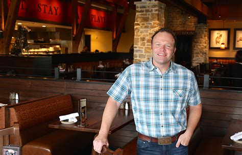 lazy euless lazy expands amid tough casual dining segment nation s restaurant news