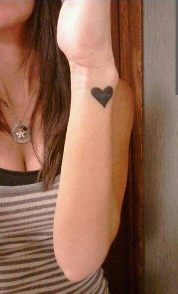heart line tattoo the 25 best igy6 ideas on half sleeve