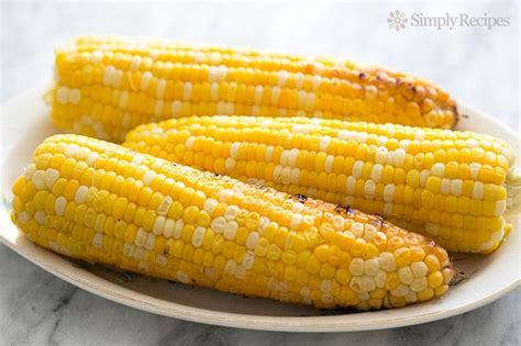 how to grill corn on the cob simplyrecipes com