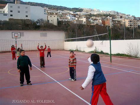 imagenes de minions jugando al voley jugando al voleibol en multideporte blog sobre deportes