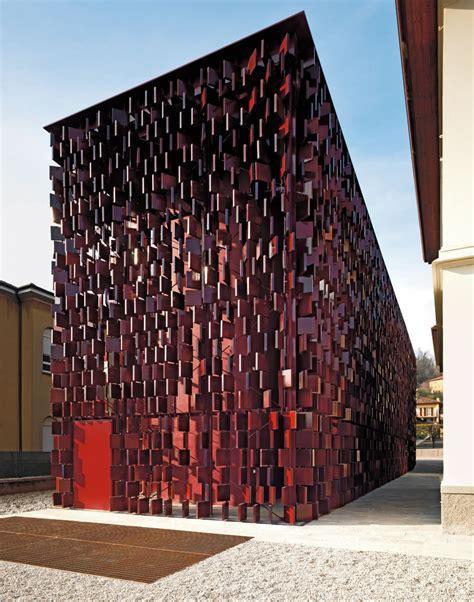 libreria comunale rivestimento esterno in cotto per la biblioteca di nembro