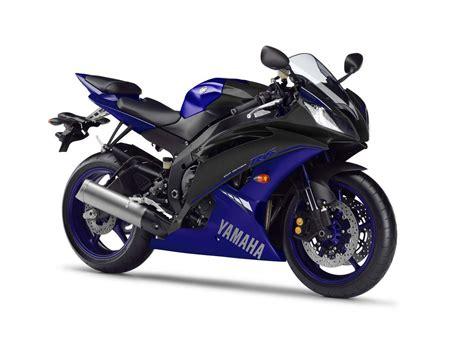 blue motor 2014 yamaha yzf r1 race debuts at silverstone