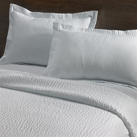 Marriott Hotel Pillows Brand by New Courtyard By Marriott Hotel Rippled Coverlet Free