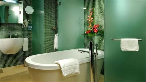 modern bathroom ideas blending green color