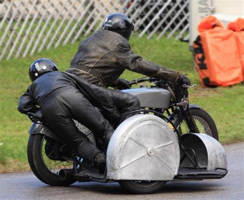 Motorrad Mit Beiwagen Klasse 3 by 2012 Oldtimer Grand Prix Beiwagen Klassen Sitzer Kneeler