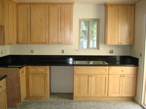 light honey american maple shaker kitchen cabinets