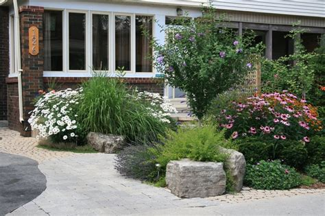 curb appeal front entrance front yard entrance curb appeal planting interlocking