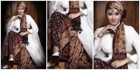 Gaun Pengantin Muslimah Dian Pelangi vemale kumpulan inspirasi gaun pengantin karya dian