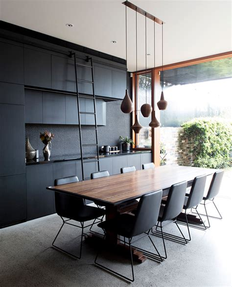 Modern And Chic Screen House With Textural Touches   DigsDigs