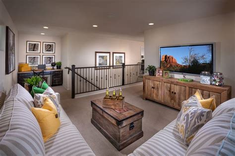 Decorating Ideas For Upstairs Loft Area 25 Best Ideas About Upstairs Loft On Rustic