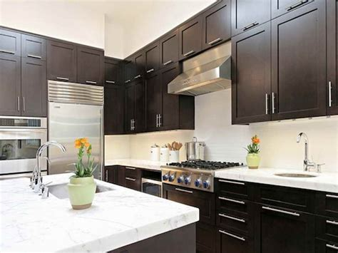 color schemes for kitchens with cabinets tiny kitchen color schemes kitchen cabinets
