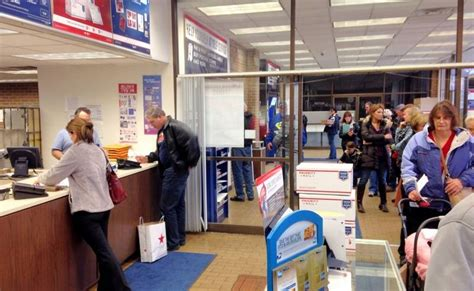 Arlington Heights Post Office by Last Minute At Post Office On Shopping Day