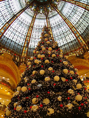 christmas tree in lafayette the tree at galeries lafayette 2007 flickr photo