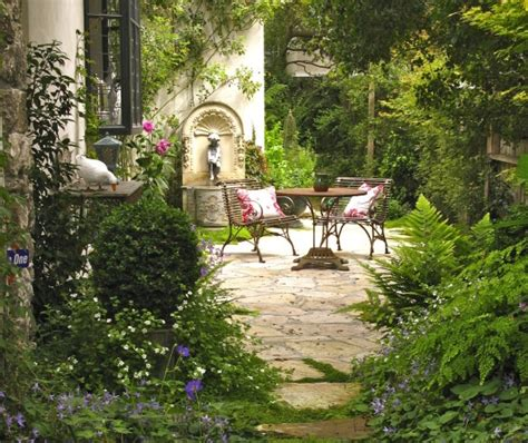 create your own vintage garden