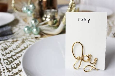 easy wire place card holder diy a beautiful mess easy wire place card holder diy a beautiful mess