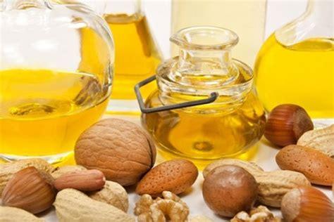 Dan Manfaat Minyak Kemiri 33 manfaat dan khasiat minyak kemiri untuk kesehatan khasiat