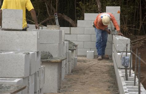building a concrete block house how to build a cinder block wall