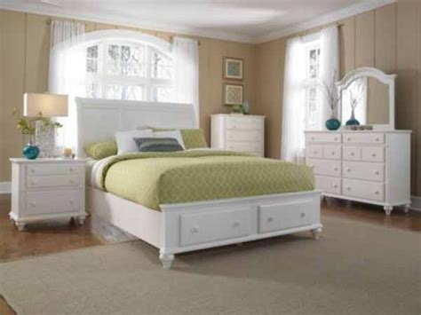 White Bedroom Furniture Sets by Broyhill Furniture Hayden Place Eastern King Sleigh Bed