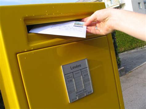 poste lettere comme une lettre 224 la poste ma r 233 clamation concernant