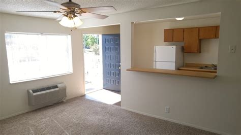 1 bedroom apartments lawrence ks one bedroom apartments lawrence ks jonlou home