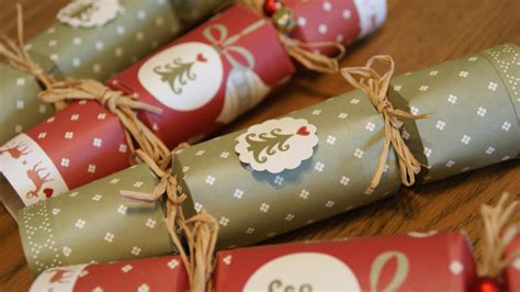 20 Things To Do Over Christmas Citysocializer Blog Make Your Own Crackers Template