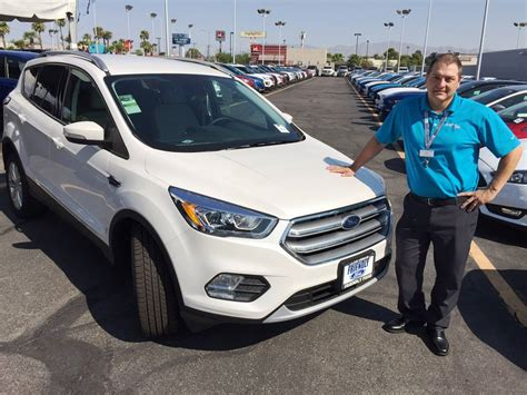 Escape SUV offers wide range of amenities at Friendly Ford