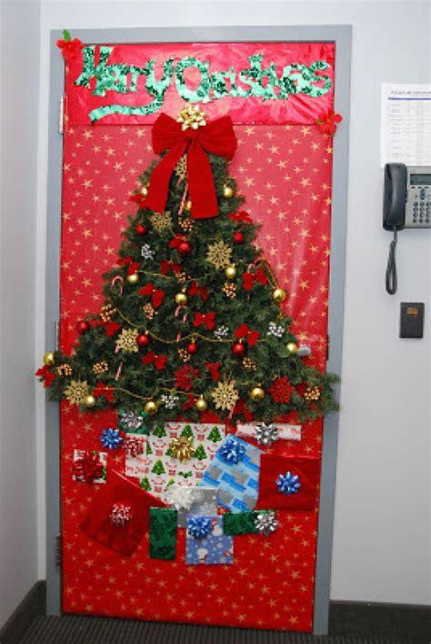 christmas door decorations for work work door decorating billingsblessingbags org