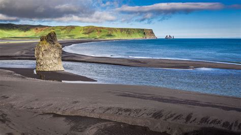 black sand game visit game of thrones filming locations in iceland and