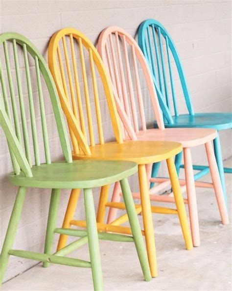 repeindre des chaises repeindre des chaises en bois chaise avant apr s par le