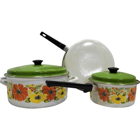 Diskon Dessini Ceramic Cookware 5pcs orange yellow flower porcelain enamel cookware set 5 pcs 1970s pots from hoosiercollectibles on