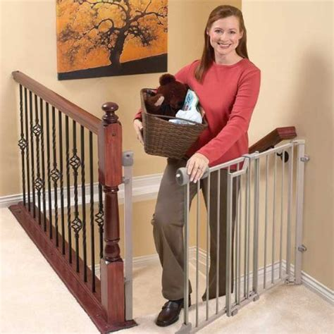 best baby gate for top of stairs with banister comparing the best baby gates for stairs top and bottom