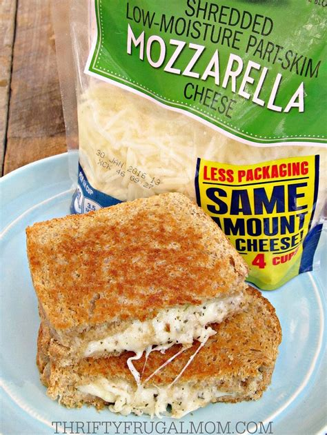 Sandwich Pizza Mozarela 79 best images about eat me lunch box and snacks on bliss balls bagel bites and