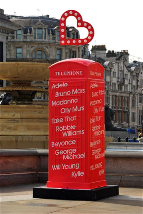 cabine telefoniche londinesi il restyling delle cabine telefoniche londinesi fools