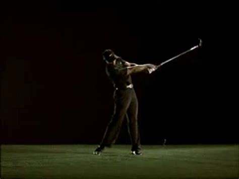 swing in motion tiger woods simple golf swing in slow motion golf swing