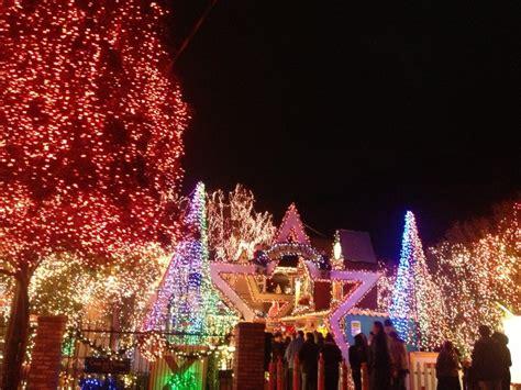 christmas light displays near you deacon dave s display near san francisco has 400 000 lights