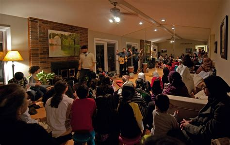 house concerts 10 ways to book more house concerts