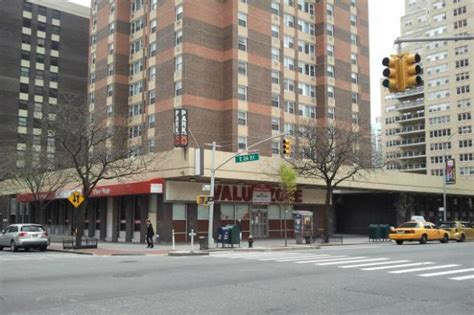 phipps houses kips bay retail corner to be made over with new storefronts kips bay new york