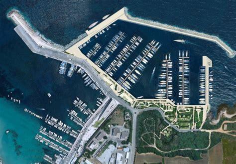 otranto porto turistico palazzo chigi s 236 al porto turistico con 500 posti barca