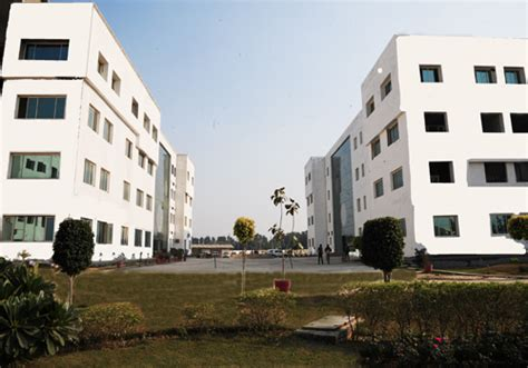 Iit Delhi Mba Fee Structure 2013 by Bmctm Bm Of Technology And Managment Mba Course Fees