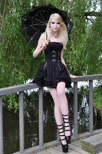 For Forums Url=http//wwwcommentsdbcom/gothic/beautiful Gothic Girl